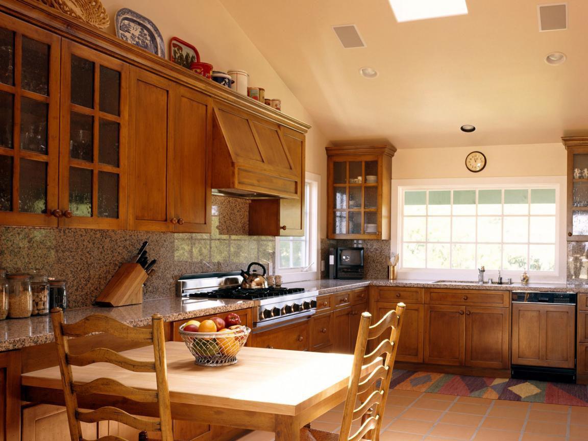 Entwerfen Sie eine kleine Küche auf dem Land. Der Ort, an dem sich ...