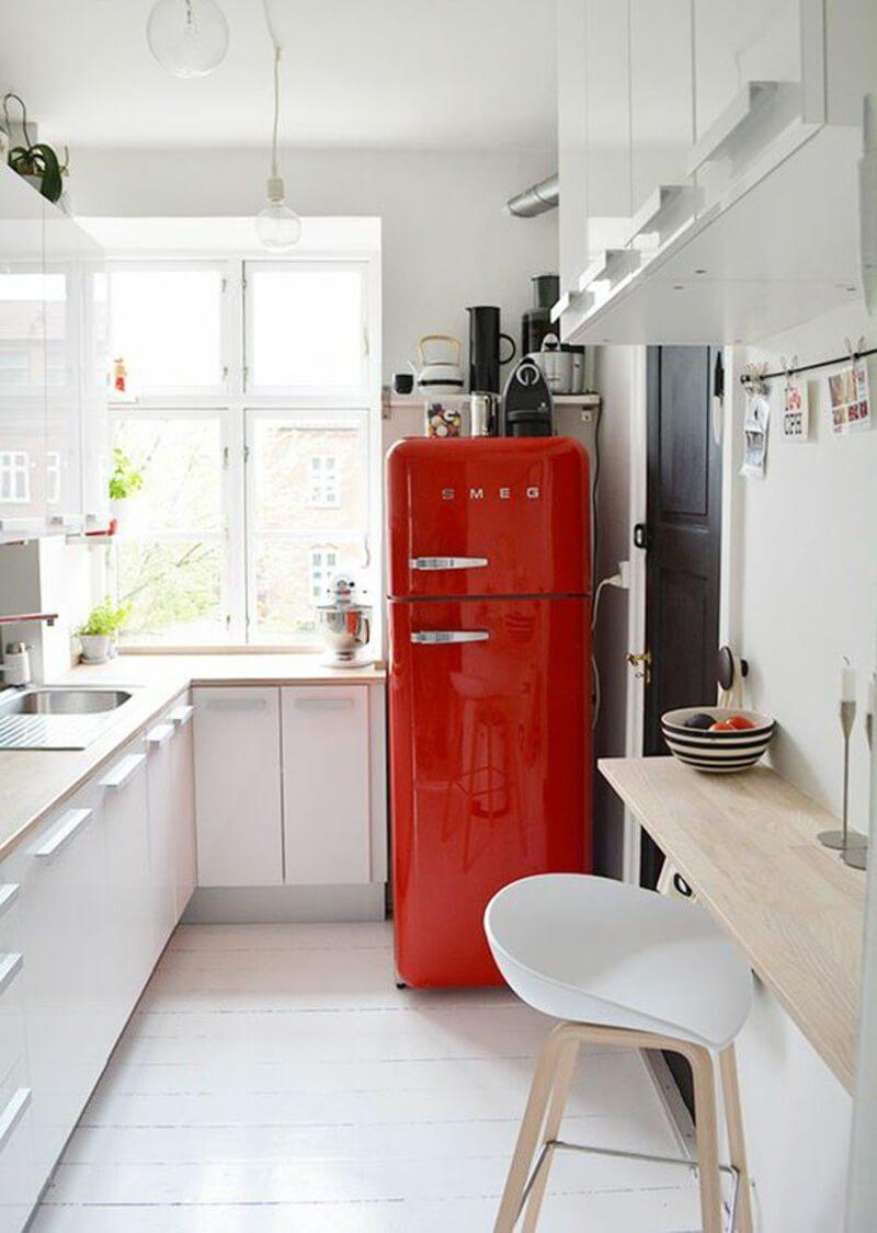 Das Projekt ist eine sehr kleine Küche. Tapeten in der Küche: alle ...